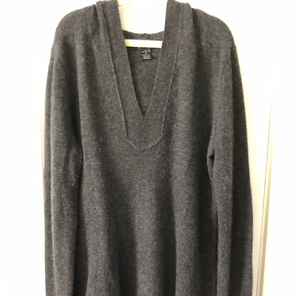 Only Mine Tops - Cashmere sweater size M